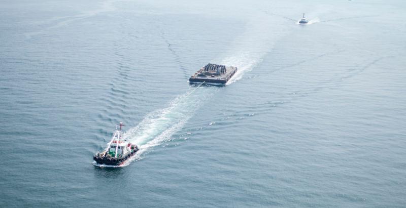 崎永海運の船による牽引